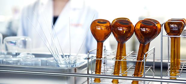 処方提案から医薬部外品の申請まで充実のバックアップ体制